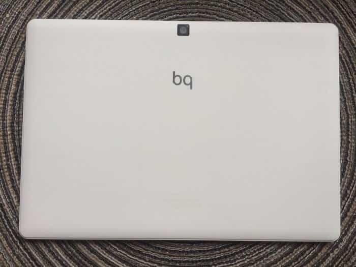 bq-aquaris-m10-hd-test-back