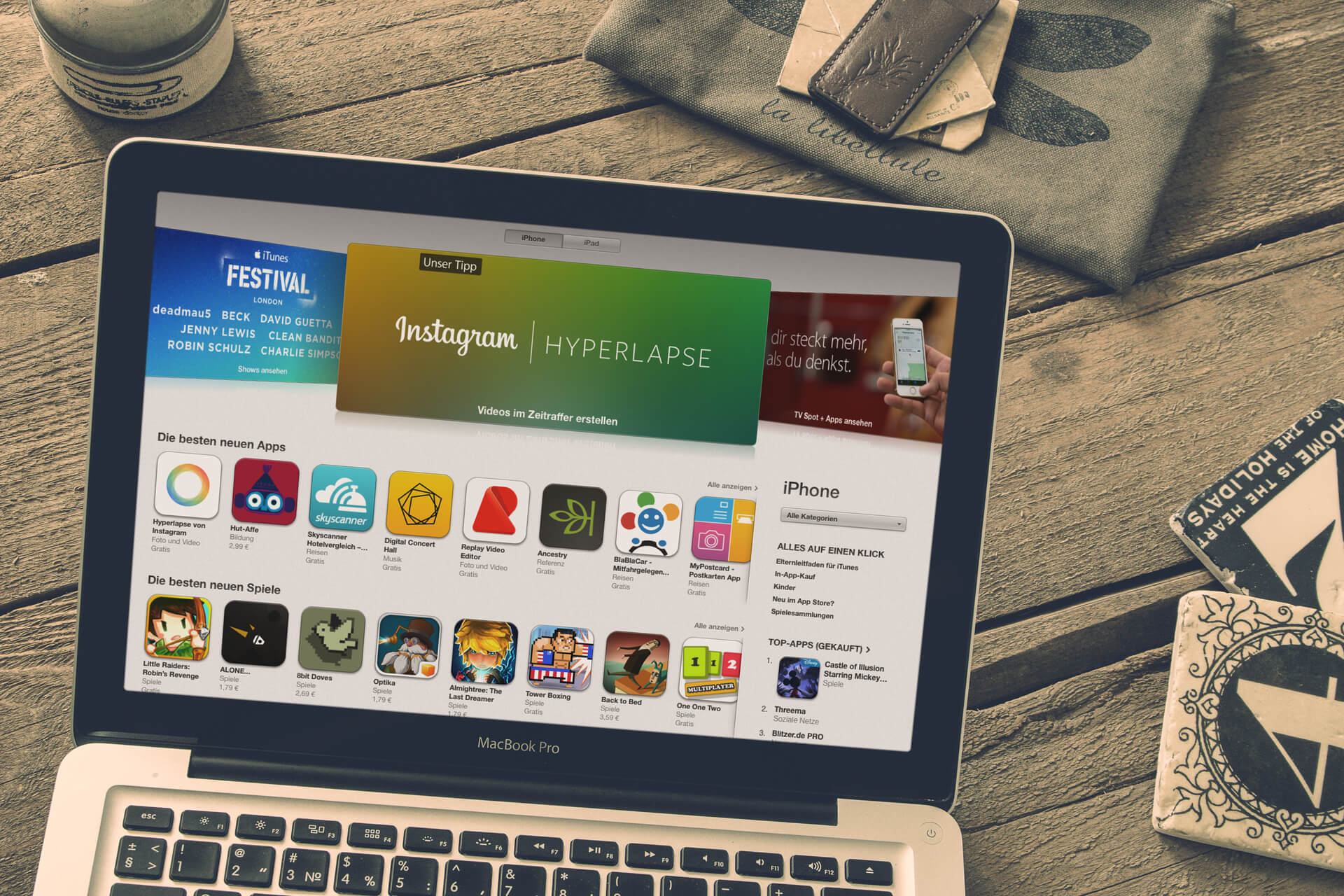Montage: iTunes App Store auf MacBook Pro