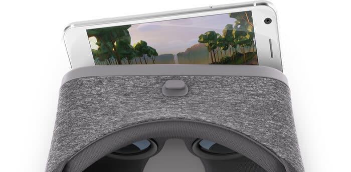 ZTE Axon 7 mit Daydream-Brille, Bild: Google